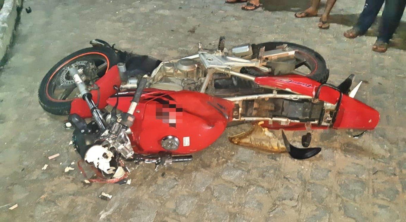 Suspeito de tentativa de homicídio morre em acidente na BR-104