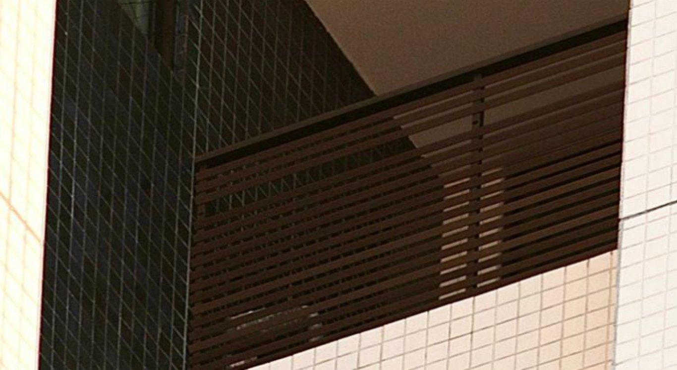 Miguel caiu do 9º andar docondomínio de luxo Píer Maurício de Nassau, conhecido como Torre Gêmeas, no Recife.