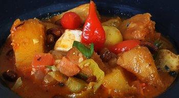 Feijão frito traz um toque especial ao prato preparado pelo Chef Rivandro França