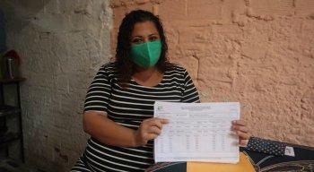 Emiliane Sílvia Saulistiano precisa de ajuda com doações