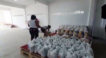O IJCPM, que no Recife atua prioritariamente com jovens do Pina e de Brasília Teimosa, tem ampliado seu alcance e atuado em parceria com diversas instituições para distribuir cestas básicas