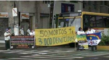 Motoristas pararam os ônibus na Avenida Guararapes nesta terça-feira (16)