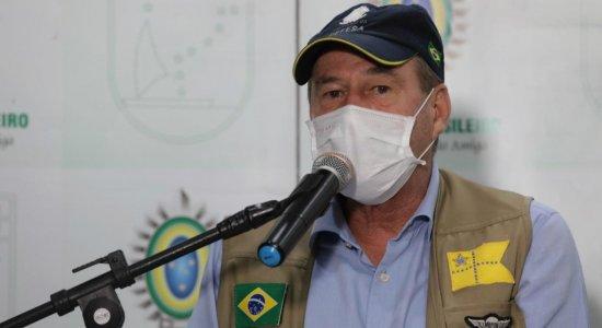 Em visita a Pernambuco, ministro da Defesa afirma que Forças Armadas querem ajudar o povo na crise do coronavírus e não fazer política