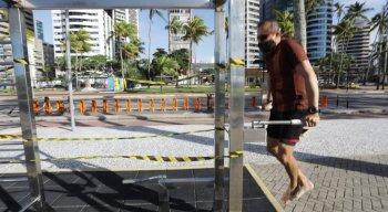 Calçadão da Praia de Boa Viagem foi reaberto para a prática de exercícios físicos individuais