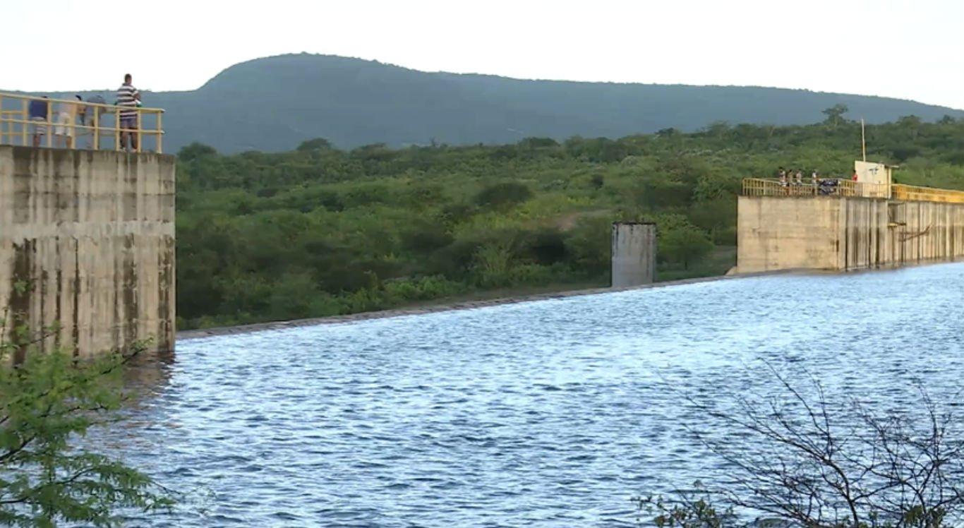 Barragem Pedro Moura, em Belo Jardim, está cada vez mais próxima de verter