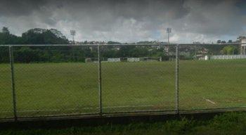 Helicóptero caiu em campo de estádio de Camaragibe
