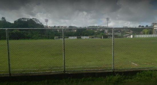 Helicóptero faz pouso forçado em estádio de Camaragibe