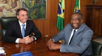 Anúncio foi feito pelo Facebook de Bolsonaro