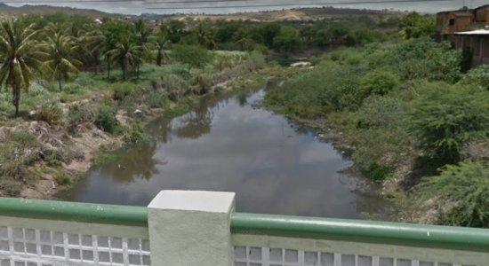 Corpo de mulher foi encontrado boiando no Rio Ipojuca
