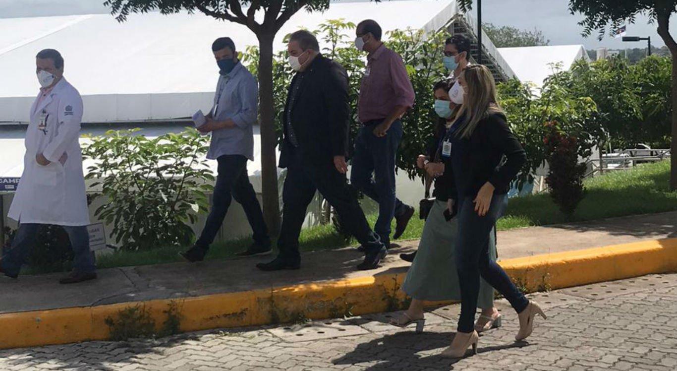 Secretário de Saúde, André Longo, visita Hospital de Campanha de Caruaru