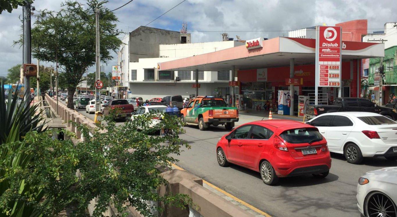 Trânsito no centro de Caruaru