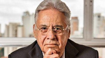 Fernando Henrique Cardoso criticou ainda insistência do ex-presidente Lula em se manter no foco do debate político