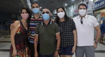 Família da administradora, Katarine Rodrigues, desembarcou no Aeroporto do Recife