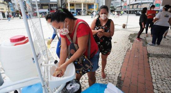 Recife cria pontos itinerantes para orientar população no combate ao coronavírus