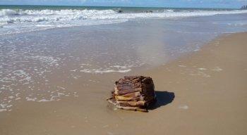 Caixas foram encontradas na Praia de Boa Viagem, Zona Sul do Recife