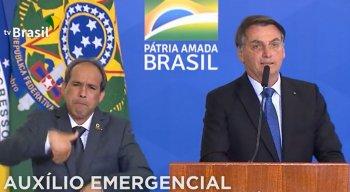 Presidente Jair Bolsonaro discursa durante cerimônia de prorrogação do auxílio emergencial