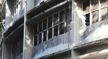 Enfermeiros quebraram janelas para que a fumaça evacuasse