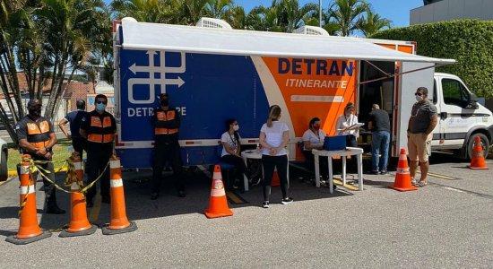 Detran-PE amplia serviços com drive-thru nos shoppings Plaza e Guararapes