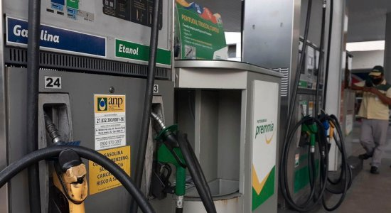 Petrobras reduz preço de gasolina e diesel nas refinarias, mas haverá impacto nos postos de combustíveis?