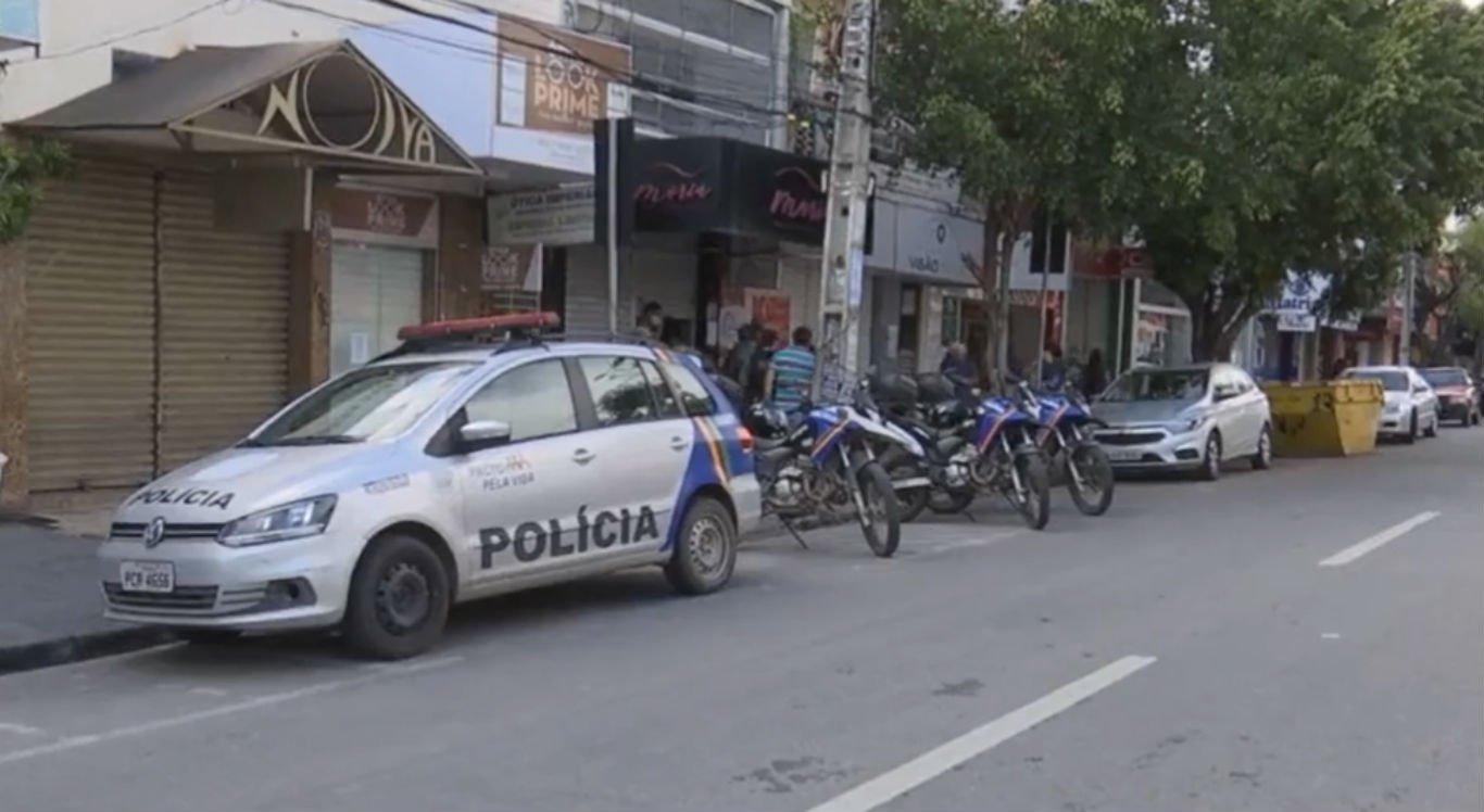 Polícia Militar faz fiscalização no centro de Caruaru