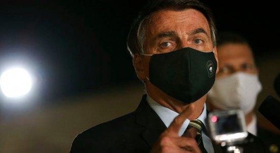 Presidente Jair Bolsonaro faz novo teste de covid-19