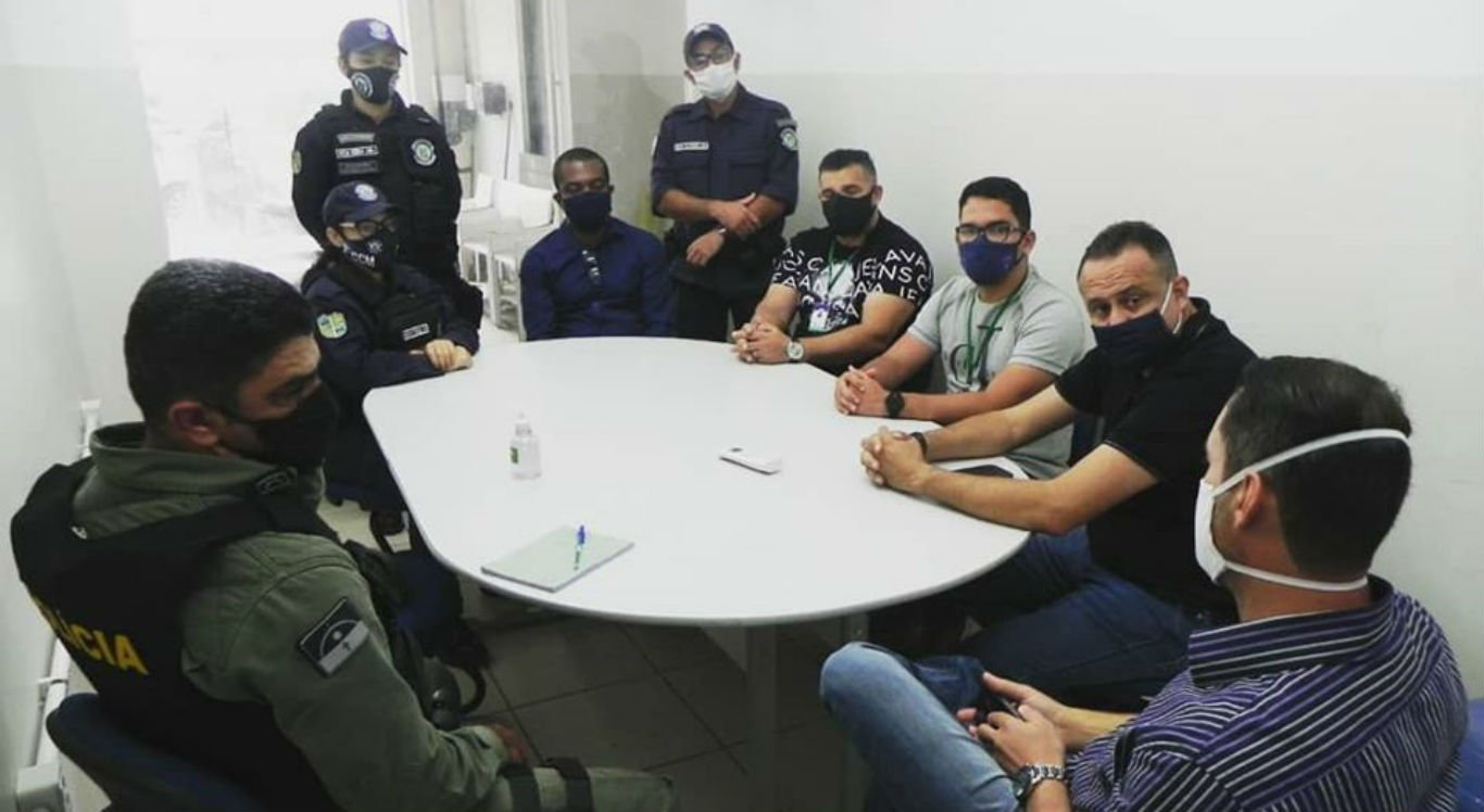 Reunião contou com presença de representantes das forças de segurança