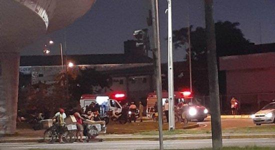 Pai e filhos ficam feridos após cair de viaduto que dá acesso ao Aeroporto do Recife