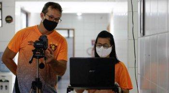 Fisiologista do Sport, Inaldo Freire (E) é um dos integrantes do departamento de preparação física.