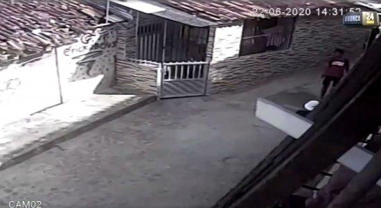 Vídeo: Jovem é executado enquanto andava de bicicleta em Moreno