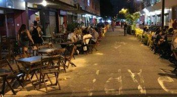 Bares e restaurantes esperam reabertura