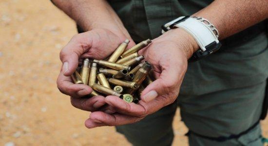 Capsulas de balas encontradas após a troca de tiros entre os criminosos e a polícia