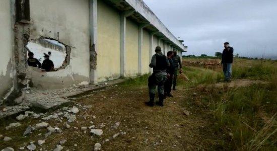 Grupo explode muro e detentos fogem de presídio em Limoeiro
