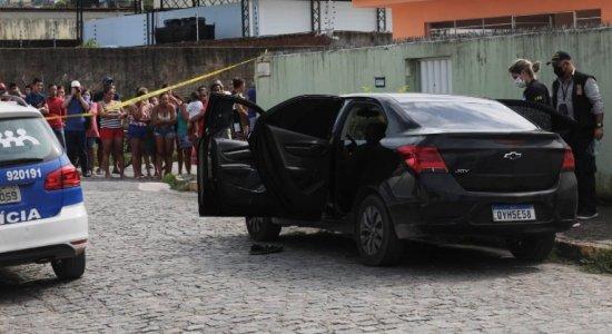 Segurança é morto a tiros dentro do próprio carro em Camaragibe
