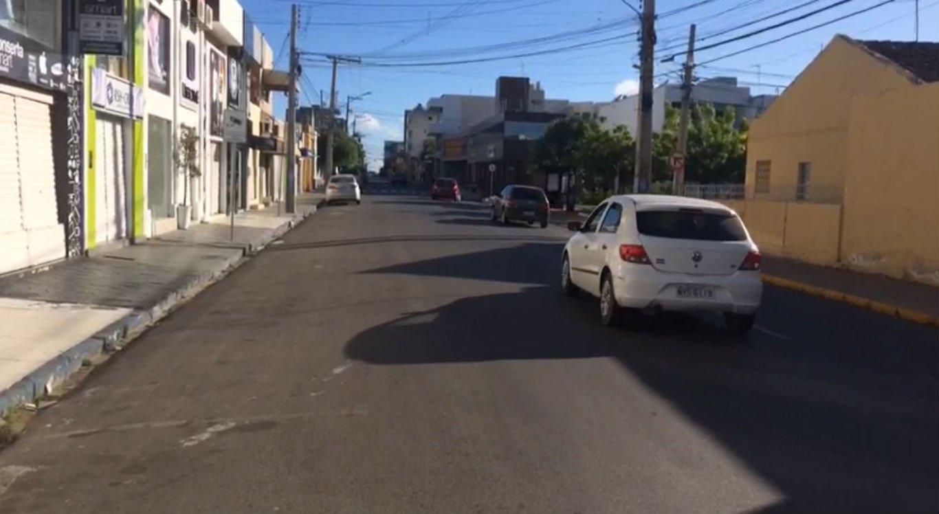 Comércio fechado na Rua Souza Filho, em Petrolina