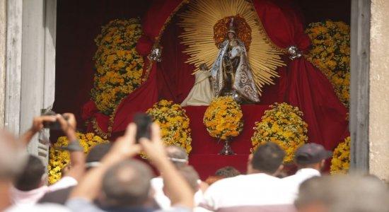 Coronavírus: Festa de Nossa Senhora do Carmo é celebrada de forma diferente no Recife