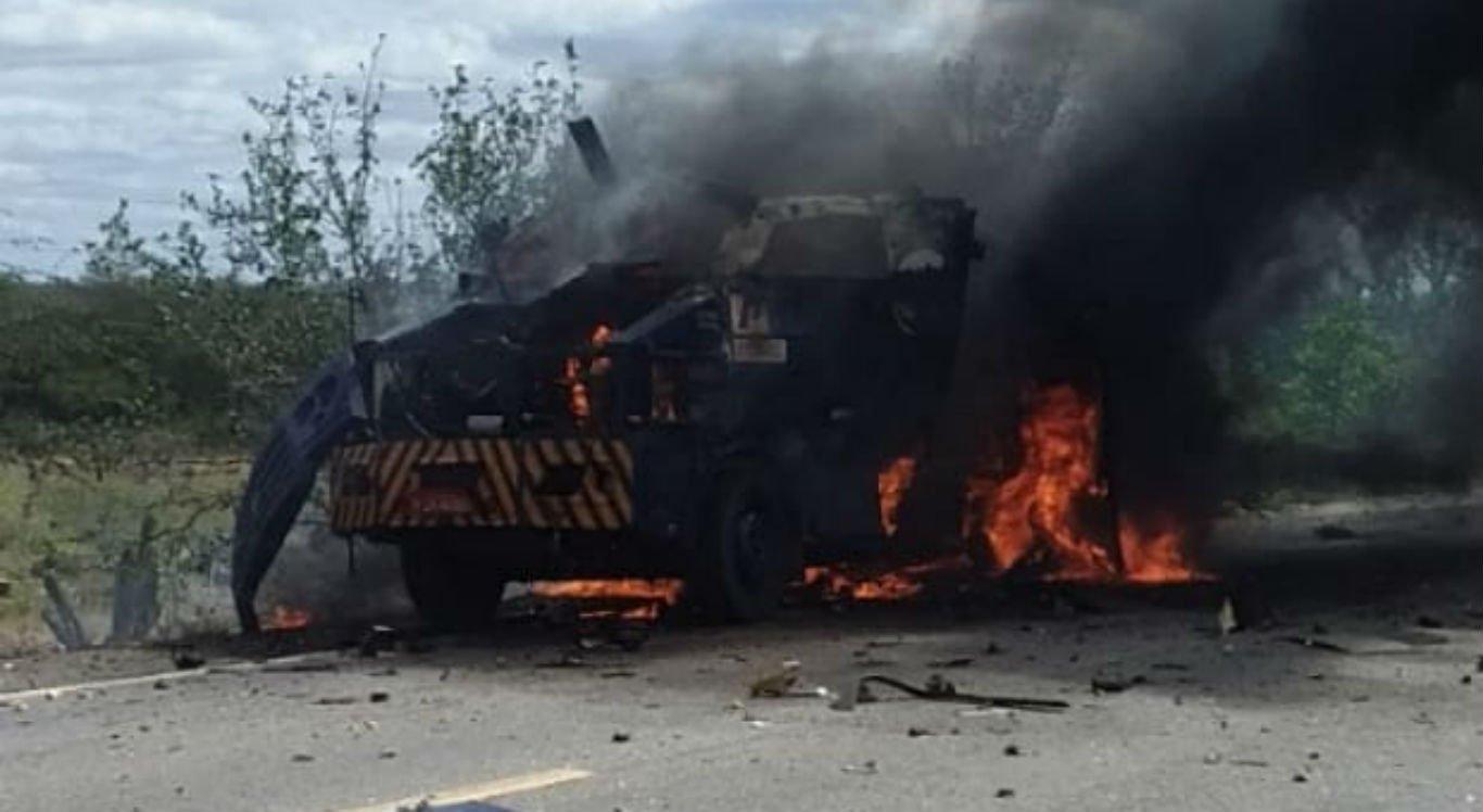 Carro-forte foi alvo de explosão no Distrito de Rajada
