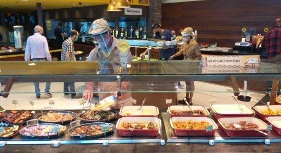 Estabelecimentos de alimentação e academias reabrem em Pernambuco