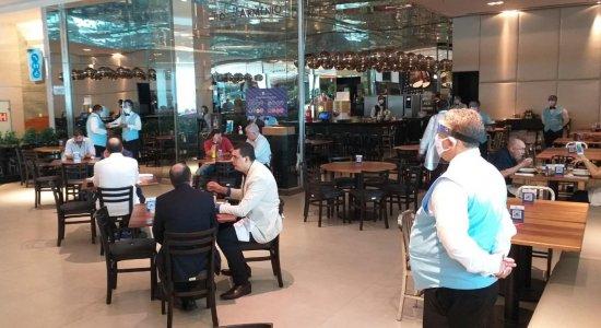 Reabertura: Restaurantes dos shoppings do Grande Recife voltam a receber clientes