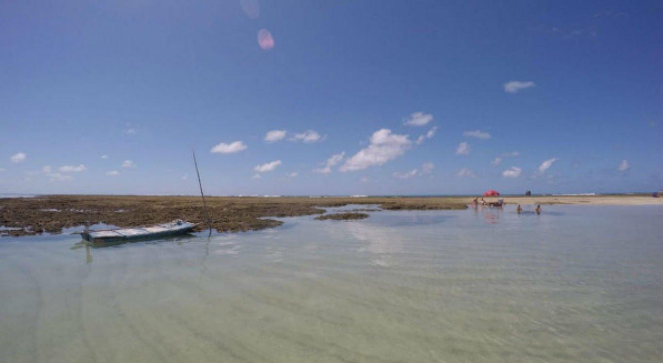 Praia de São José da Coroa Grande, no Litoral Sul