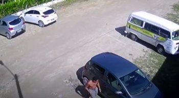 Câmeras de segurança filmaram uma das ações