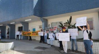 A denúncia foi recebida por representantes do sindicato dos biomédicos