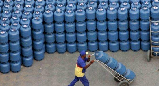 Petrobras reajusta preço do gás de cozinha e botijão fica mais caro