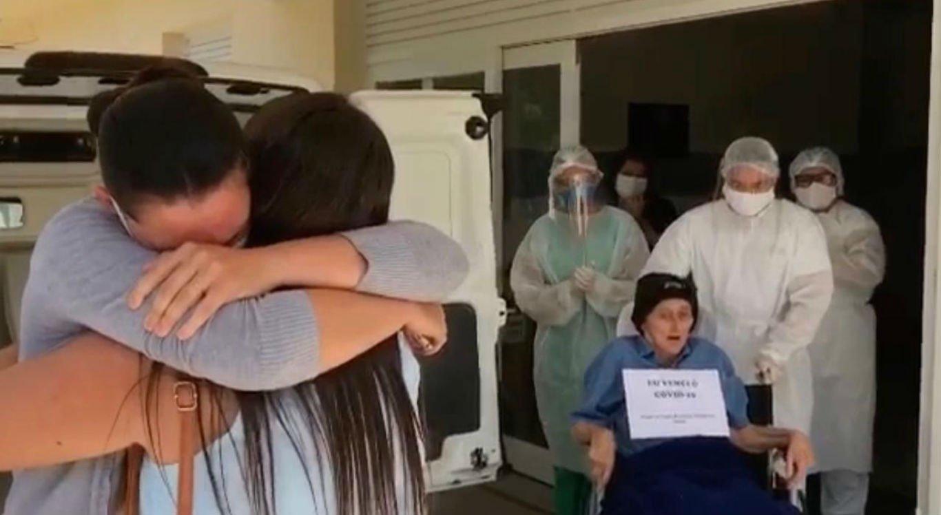 Idoso de 92 anos recebeu alta do Hospital de Taquaritinga