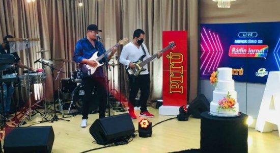 Reveja a live de aniversário da Rádio Jornal com Labaredas