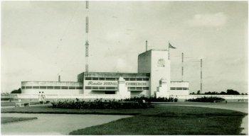 Foto histórica do prédio que abrigava os famosos transmissores da Rádio Jornal do Commercio, cujo sinal era captado nas Américas, Europa e África