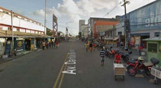[Vídeo] Após assaltos, população tem medo de ficar nas paradas de ônibus no Centro do Recife