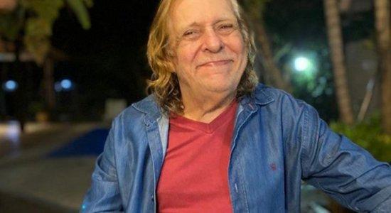Aos 76 anos, morre Renato Barros, da banda Renato e Seus Blue Caps
