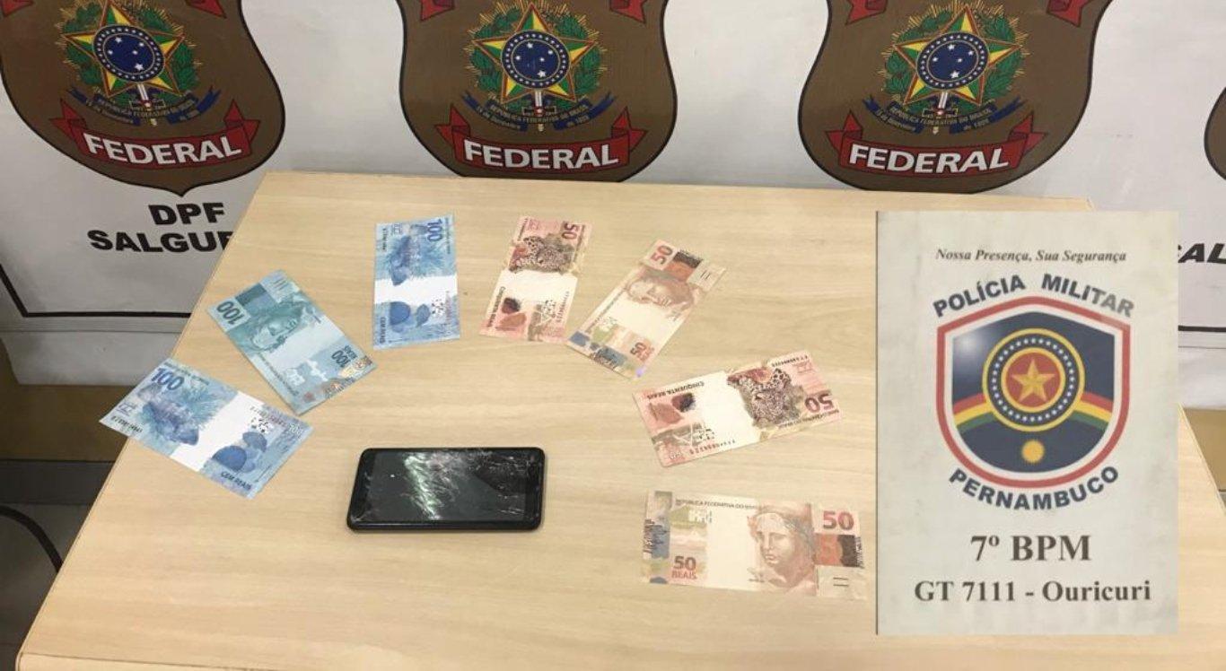 Homem é preso com R$ 500 em notas falsas no Sertão
