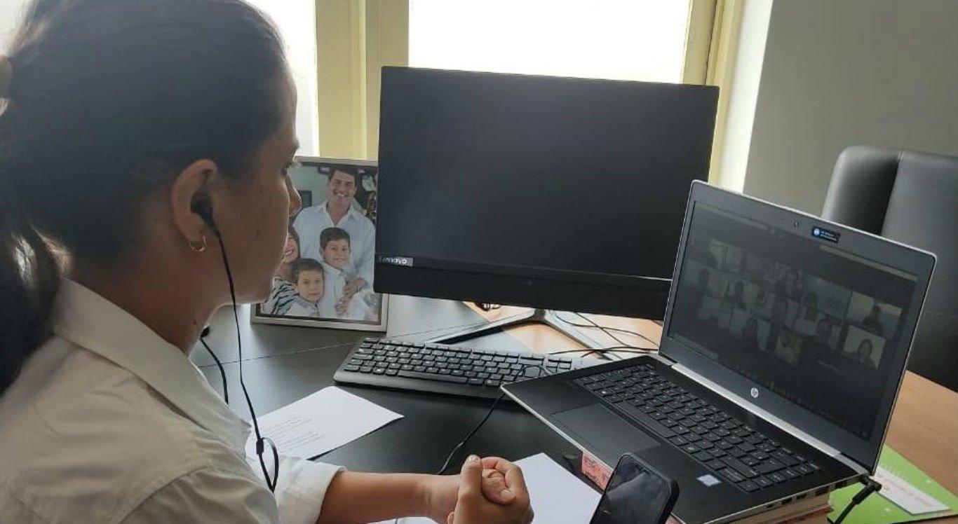 Prefeita de Caruaru, Raquel Lyra, participa de reunião com Governo do Estado