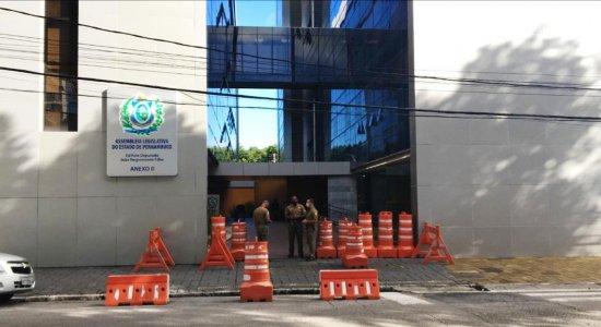 Operação: PF cumpre mandado na Assembleia Legislativa de Pernambuco